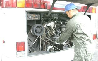 自動車整備イメージ